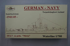 HP Models 1:700 Waterline Deutsches Torpedofangboot Ausland  TFA-7  -1941/45-