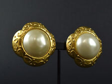 Auth [Mint Cond.] CHANEL Earrings Vintage Fake Pearl Gold Women's w/Plate (Used)
