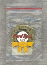 NEW-IN-BAG Hard Rock Cafe Cleveland Pin 1999 - Christmas Wreath Yellow Ribbon