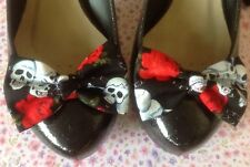 PAIR BLACK SKULL CHAIN ROSE PRINT COTTON FABRIC BOW SHOE CLIPS 50'S ROCKABILLY