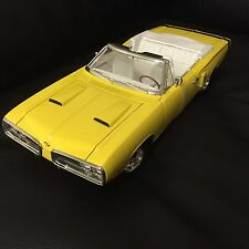 1:18 1970 Dodge Coronet R/T HemiI Yellow limited 1250 Road Signature