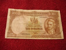 New Zealand 10/- Ten Shillings Banknote  CAN ANYBODY TELL ME WHAT YEAR?   B1
