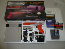 BOXED NINTENDO NES ACTION SET SYSTEM GAME LOT MARIO DUCK HUNT ZAPPER COMPLETE >>