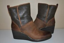 UGG Women's Renatta Waterproof Stout Brown Leather boots Size US 10      1008021