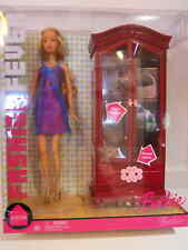 Barbie FASHION FEVER DRESSING ROOM  Wardrobe Armoire 2006 Gold Label NRFB