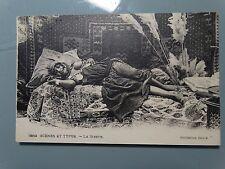 CPA années 1900  superbe algérienne seins nus. la sieste.