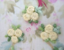 25~LOT~YELLOW~ VERIGATED~VENISE LACE TRI-BUD APPLIQUES~Roses~Baby Doll~Reborn