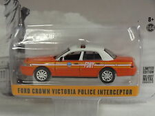 GREENLIGHT RED 2008 FORD CROWN VICTORIA FDNY INTERCEPTOR LIMITED EDITION