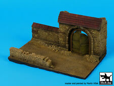 Black Dog 1:72 Wall Section with Gate - Resin Diorama Base No.2 150X90mm #D72027