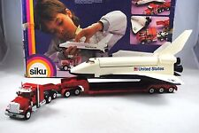 SIKU 4016 PETERBILT Truck w/ Transport Trailer & NASA's COLUMBIA Space Shuttle