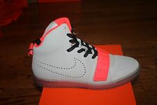 NIKE MEN'S ASTRO FLIGHT RARE SAMPLE YEEZY SIZE 9 STYLE 630923-004