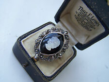GORGEOUS VINTAGE STYLE STERLING SILVER ONYX & MOP CAMEO MARCASITE RING SIZE P