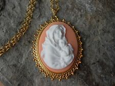 VIRGIN MARY AND BABY JESUS CAMEO GOLD TONE PENDANT NECKLACE - RELIGIOUS - PEACH