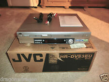 JVC HR-DVS3 miniDV / VHS Videorecorder Kombination in OVP, ohne FB, 2J.Garantie
