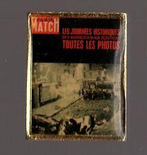 Pin´s magazine / Paris match (couverture de juin 1968 - barricades élections)