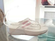 Fitflop White Leather Toe Post 5 Casual  Holiday Beach
