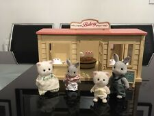SYLVANIAN FAMILIES VINTAGE VILLAGE BAKERY + ACCESSORIES + FIGURES
