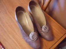 Exceptional shoes size 6 beige and brown by Charles
