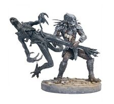 Mcfarlane AVP Series 2 Celtic Predator Throws Alien playset figure