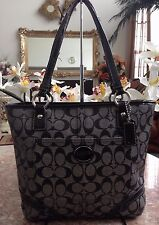 COACH Signature Peyton Heritage Black Grey/Black Tote Bag F18917