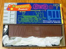 Roundhouse HO #2150 (Undec.) Ext. Brace DBL. Steel Plaque Door 50' Box Car (kit)