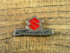"SUZUKI BANDIT MOTORCYCLE VEST PIN ~1-1/4"" x 5/8"" LAPEL HAT BADGE BIKER BROCHE"