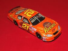 Action 2004 Chevrolet Monte Carlo #21 Kevin Harvick Reese`s 1:24 Diecast Car