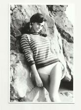 SEXY RAQUEL WELCH (AN3) PHOTO POSTCARD ACTRESS FILM STAR PIN UP GLAMOUR