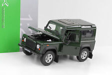 Land Rover Defender Station 90 Td5 grün 1:24 Welly