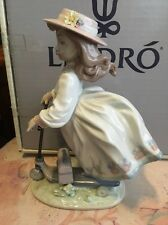 Lladro 6031 On The Go Retired Original Box! Mint condition! Rare, hard to find!