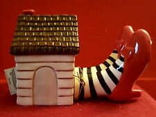 Westland Oz Wicked Witch of the East Legs & House magnetic shaker figurine new