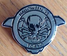 Tokyo 1995 Halloween Hard Rock Cafe Pin Skull And Crossbones Rare Authentic (D5)