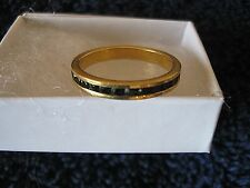 Ladies Goldtone Ring Size 7 Band w Black Inlay Gift Boxed CL30-5