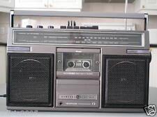 Vintage General Electric Boombox / portable AM/FM Radio Cassette, model 3-5252D