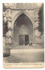 bayonne  portail et entrée principale de la cathédrale