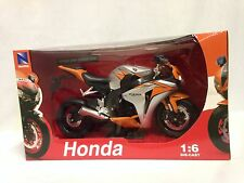 2010 Honda CBR1000RR Motorcycle, Replica 1:6 Diecast Collectible, New Ray Toy OR