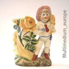 Jugendstil Vase mit Kind Figur Junge Bisquit Porzellan farbig bemalt 1920