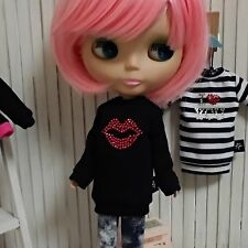 Blythe Doll Outfit top long t-shirt kiss black