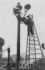 LAVEUR DE BEC DE GAZ Paris METIER DISPARU Lampadaire Voiture Ville Photo 1930s