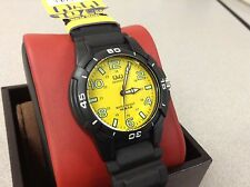 Rare Vintage Deal Mens Q&Q Watch by Citizen Yellow Dial Divers Hunt Fish Japan!