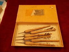 BOX OF 6 OLD VTG ANTIQUE WOOD MONRO No 1 DARTS, DID HAVE BIRD FEATHERS, NOT NOW