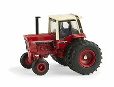 Case IH 1086 Tractor  National Farm Toy Museum Rear Duals  ERTL 1:64   2015  New
