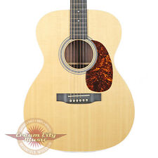 2014 Martin 000-MMV Acoustic Guitar in Natural Spruce and Rosewood OOO