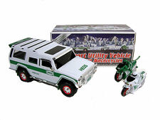 NEW MINT 2004 Hess 40th Anniversary Toy Truck SUV & 2 motorcycles in BOX