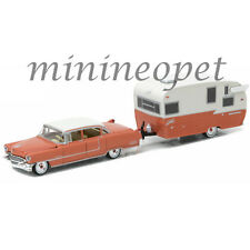 GREENLIGHT 32090 A 1955 CADILLAC FLEETWOOD SERIES 60 & SHASTA 15' AIRFLYTE 1/64