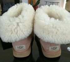 ugg boots size 5.5 bailey button