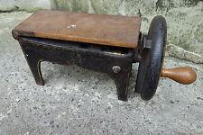 antiker massiver Tabakschneider Tabakschneidemaschine Gusseisen um 1900-20