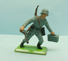 PA03/16/446 BRITAINS / ENGLAND / WWII SOLDAT ALLEMAND FUSIL MITRAILLEUR 54MM