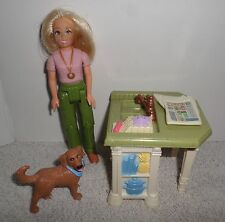 Fisher Price Loving Family Dollhouse Mom Kitchen Island Dog & Newspaper