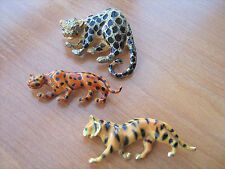 Vintage signed Park Lane and Capri Jaguar and Tiger brooches jewelry lot of 3